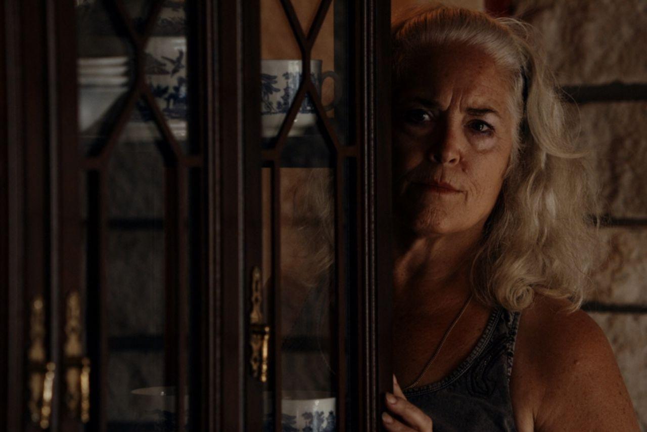 Krisha เติมเต็มชีวิตให้เป็นเรื่องเล่าเกี่ยวกับการเสพติดที่คุ้นเคย รายการโปรดของ SXSW 2015 มาถึงในโรงภาพยนตร์